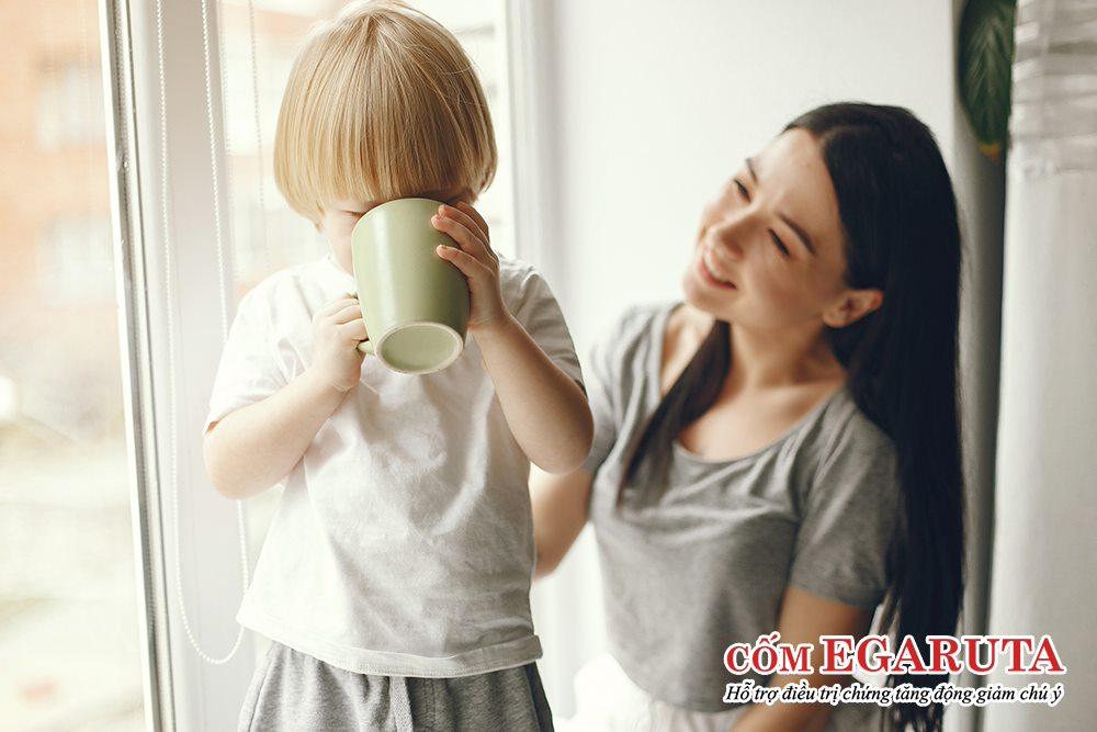 Trẻ hiếu động, thiếu tập trung chưa đi khám hoàn toàn có thể dùng cốm Egaruta